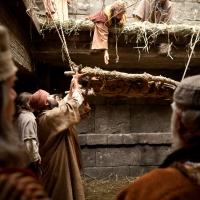 Jesús sana a un paralítico; reflexión, petición, mensaje, meditación y tarea del día.
